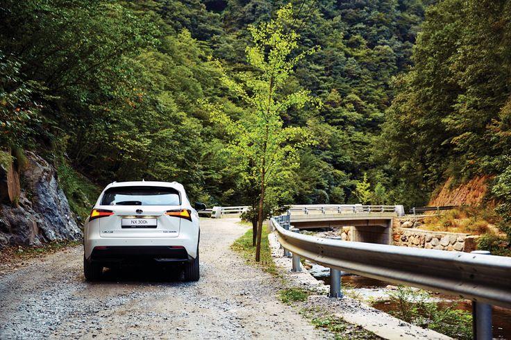 NX 300h는 변수에 둔감한 차다. 기본적으로는 도시 생활에 어울리면서 환경적 가치를 강조한 풀 하이브리드 모델이다.  | Lexus i-Magazine 다운로드 ▶ www.lexus.co.kr/magazine  #Lexus #Magazine #NX300h #NX