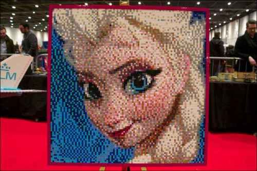 #Elsa from @Disney #Frozen picture made entirely with #Lego bricks - Gorgeous! @legoshow @LEGO_Group