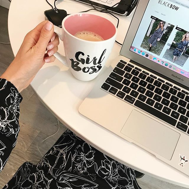 Goodmorning💋Office day! ☕️