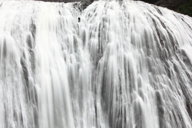 https://flic.kr/p/6PVTm2   Fukuroda Waterfalls / 袋田の滝(ふくろだのたき)   Fukuroda Falls, Daigo-machi(town) Kuji-gun(County) Ibaraki-ken(Prefecture), Japan  茨城県久慈郡(いばらきけんくじぐん) 大子町(だいごまち) 袋田の滝(ふくろだのたき)