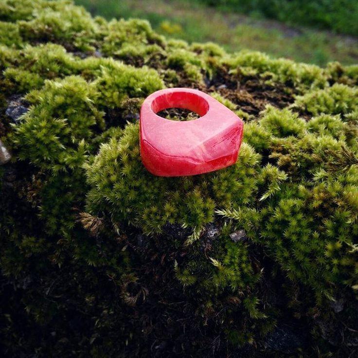 #orangerium #ring #resin #resinart #resinjewellery #jewelrydesign #jewellery #jewelry #modernjewellery #geometryjewelry #modernjewelry #contemporaryjewellery #handmade #unique #handcrafted #fashion #fashionjewellery #summer #minimal #minimaljewelry #red
