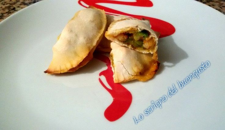 RAVIOLI DI PIZZA ZUCCHINE E GAMBERETTI                                      CLICCA QUI PER LA RICETTA   http://loscrignodelbuongusto.altervista.org/ravioli-di-pizza-zucchine-e-gamberetti/                                          #ravioli #pizza #zucchine #gamberetti #Food #ricette #pesce #solocosebuone #ricetteitaliane #cucinaitaliana #cucina