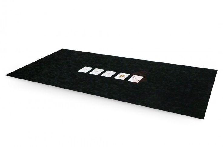 Tapis de poker 120x60 en suédine (noir) - Pokeo.fr - Tapis de poker 120x60 en suédine bulgommée de couleur noire.