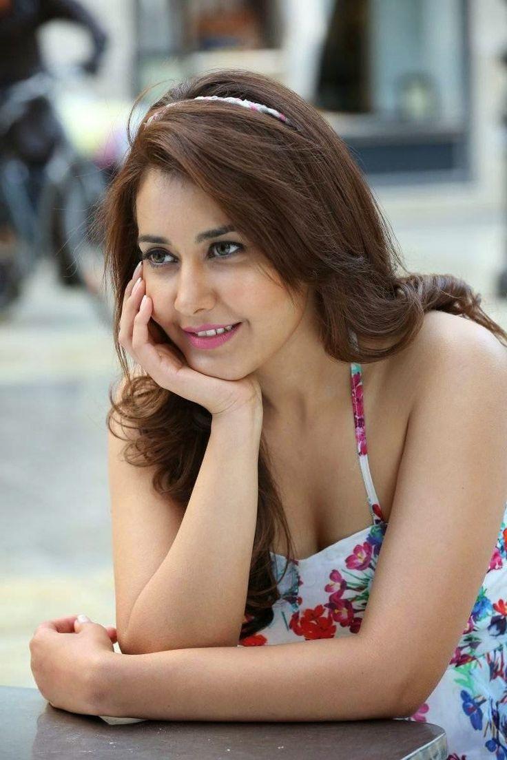 Raashi Khanna Photos Jill 3 Hot Indian Actress Bollywood And Actresses