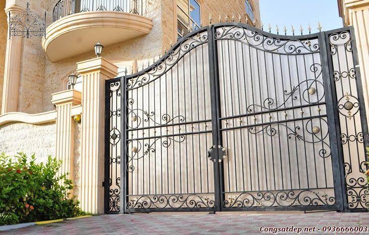 Alpinia cổng sắt đẹp và sang trọng nhất năm 2013. Mẫu cổng này được thiết kế theo kiểu dáng uốn lượn sinh động của loài hoa Alpinia của vùng khí hậu ôn đới nước Pháp http://www.congsatdep.net/mau-cong-sat-dep/alpinia-cong-sat-dep-va-sang-trong-nhat-nam-2013.html