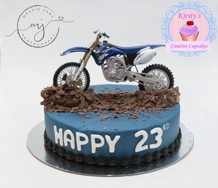 #cake #ballarat #mountclear #birthdaycake #motorbike #motorbikecake Www.kirstyscreativecupcakes.com