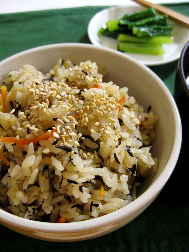 栄養満点!ひじきと切干大根の炊き込みご飯    乾物で手軽に栄養満点ごはん♪切干大根の食感がアクセントで、ホッとする味わい。優しい味付けなのでおかずとの相性もバッチリ!