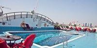 Het Regent Palace ligt in het hart van het historische stadsgedeelte en vlakbij Dubai Metro Station. Het bekende Burjuman winkelcentrum vindt u tegenover het hotel. De internationale luchthaven van Dubai bevindt zich op ca. 8 kilometer afstand.  http://facebook.com/VakantienaarDubai http://vakantienaar.eu/dubai #Dubai
