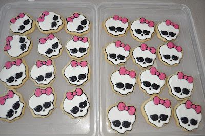 How to make a Monster High Cookie |