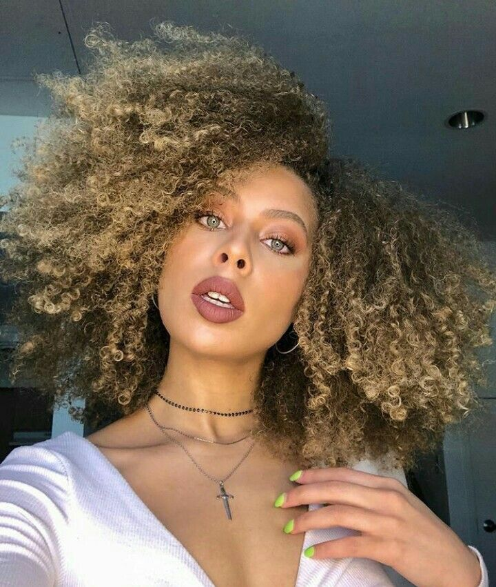 How To Bleach Your Hair At Home On A Budget Natural Hair Styles Curly Hair Styles Curly Hair Styles Naturally