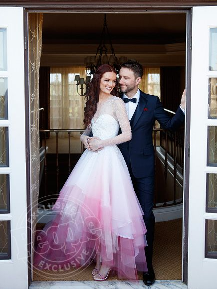 And the Bride Wore Pink! Talking Dead's Chris Hardwick and Lydia Hearst Are…