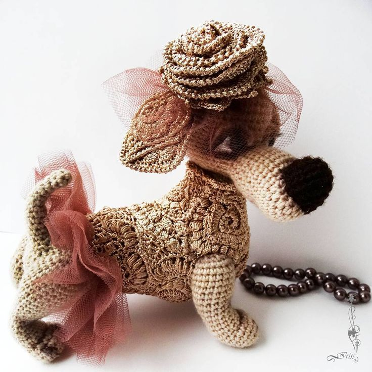 Мисс Ти  #handmade #амигуруми #вязание #игрушки#ручнаяработа #toys#cute #amigurumilove #хендмейд#crochet #вязаниекрючком#amigurumi  #weamiguru #iriss#авторскаяигрушка #авторскаяработа#toy #funny #fun #art #artist #craft#creative#собака#такса#dog#dachshund#freeform