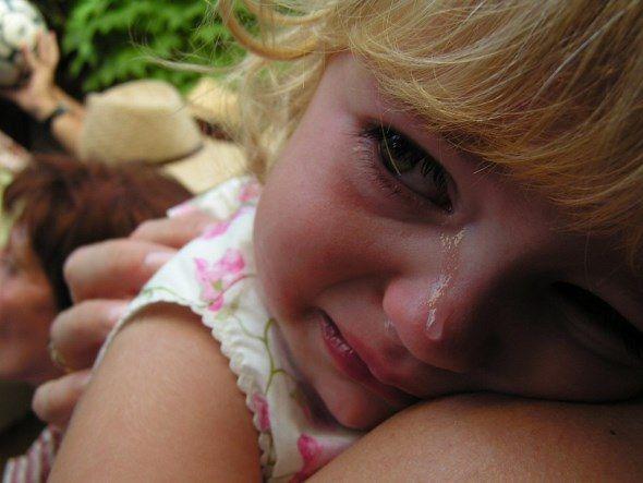 Πολλές φορές σαν γονείς, ξεχνάμε ότι έχουμε απέναντί μας ένα παιδί που το μόνο που θέλει είναι αγάπη από εμάς. Τα οικονομικά προβλήματα, τα νεύρα της δουλειάς και το άγχος της επιβίωσης μας κάνει ν…