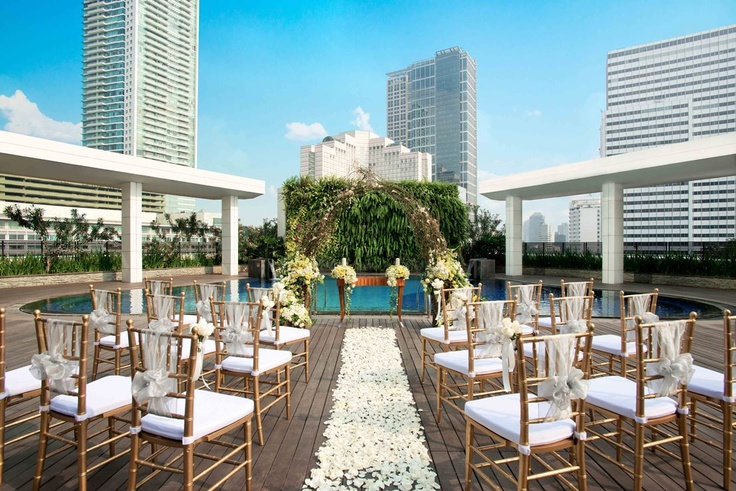 Weddings are all about dreams and at our hotel we are delighted to make your dreams come true. Pin provided by Mandarin Oriental, Jakarta: http://www.mandarinoriental.com/jakarta/