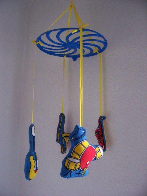 """""""Zene füleinek"""" babaforgó Kedves kis hangszergyűjtemény a babaágy fölé, zenebarátoknak. http://www.meska.hu/ProductView/index/1081114"""
