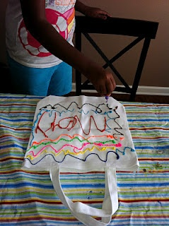 Homemade book bags make library trips more fun! They also make great gifts for kid birthday parties!