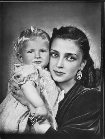 Arturo Ghergo - mother and child