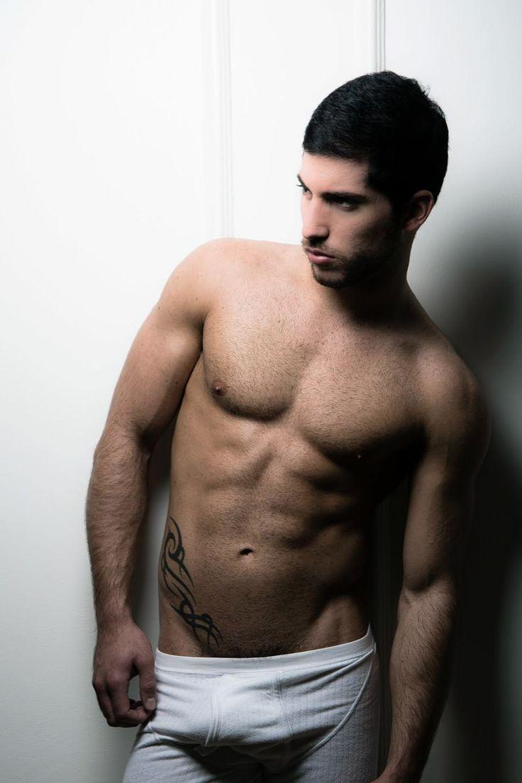 Leo Domenico | Beaux mecs | Swimwear, Fashion et Leo