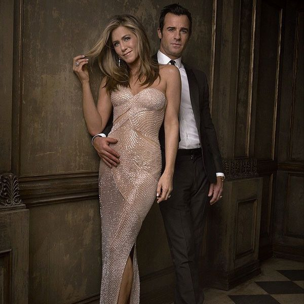 Party Portrait from Jennifer Aniston & Justin Theroux: Romance Rewind  Following the 2015 Oscars, Jen and Justin pose for a portrait at the Vanity Fair party.MORE PICS: Stars' giant engagement rings