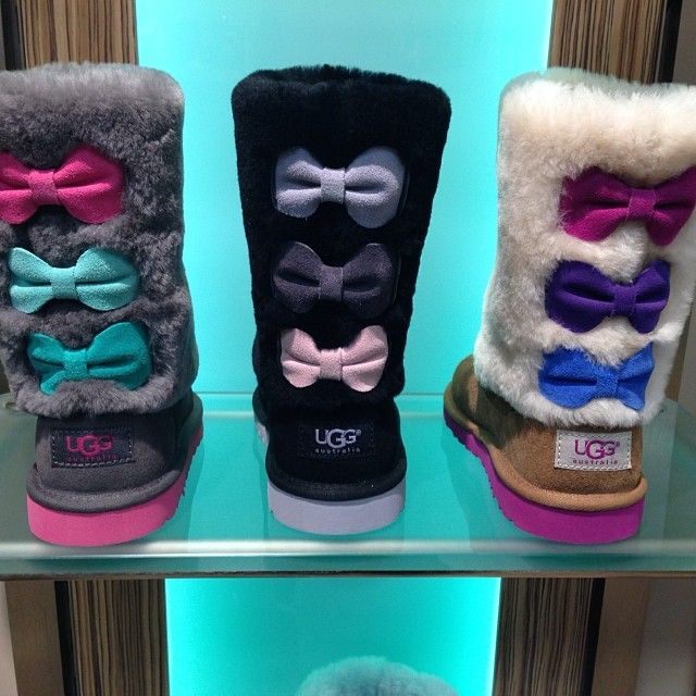 1. Are these legit?! 2. Where can I find some if they are?! and 3. THIS IS THE ONLY WAY I WILL EVER WEAR UGGS. -- ♡