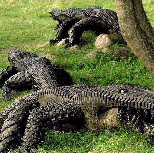 Crocodilos feitos com pneus