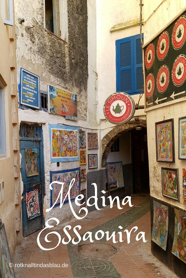 Die Medina von Essaouira in Marokko ist nicht nur eine wunderschöne Stadt, die einmalig ist, da sie nicht nur komplett erhalten ist, sondern mit ihren blauweiß getünchten Häuser Fassaden ihren portugiesischen Einfluss zeigt. Essaouiras Medina ist außerdem Drehort der bekannten Fantasyserie Game of Thrones. Was hier gedreht wurde, verrate ich euch auf meinem Blog. Schaut mal rein!