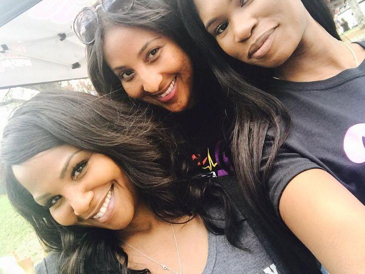 ...when a vet understands what it means to cultivate nurture & honor #sisterhood Welcome @yagirlnikki & @charaecamille  #radio #family #v1019 #power98 #charlotte #clt #radiostar #radiohead #womeninradio #womenonair #womeninmedia #womenshistorymonth #cortneyhicks