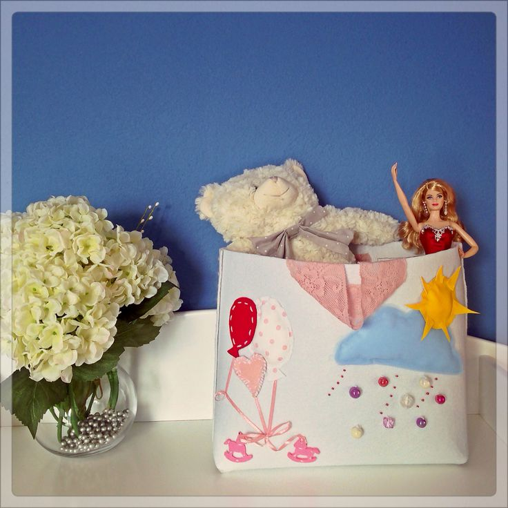 Toy Bag by eugenie,personalised for your baby's bottles,diapers,toys. Made of felt with handles for an easy lift!
