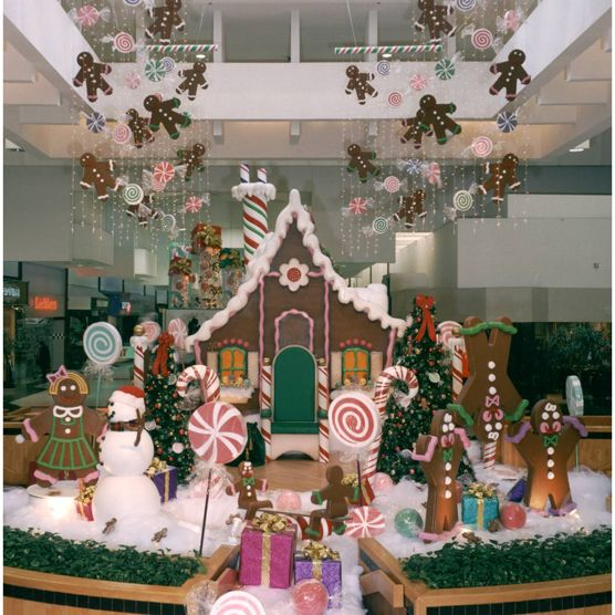 1000+ Ideas About Commercial Christmas Decorations On