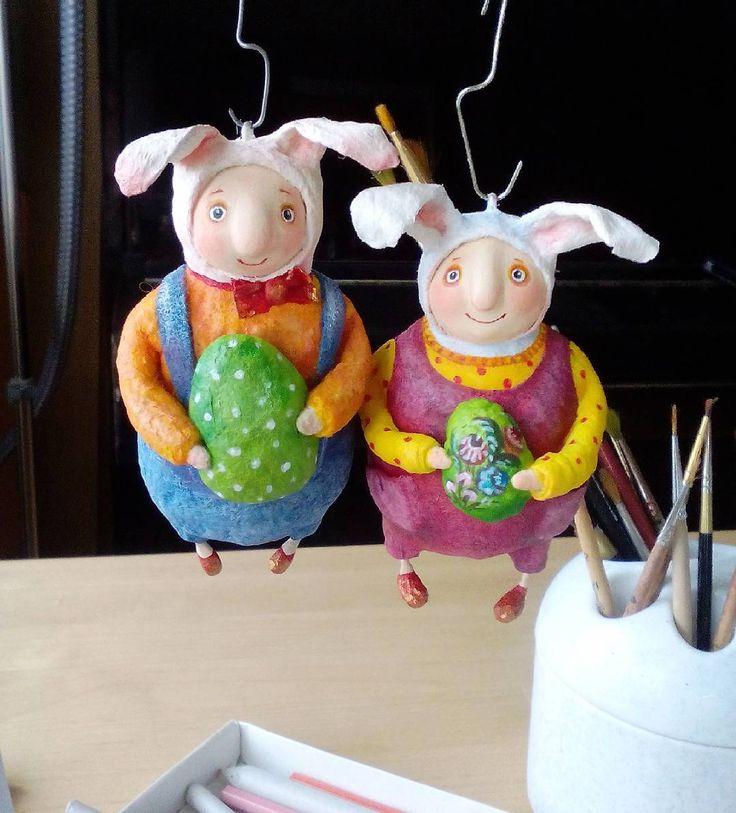 А вот и второй... #мальчикизайчики #зайки #ватноепапьемаше #ватныеигрушки #bunny #art #пасхальныйдекор #подароккпасхе #пасхальное #пасхальныйзаяц #rabbit #hendmade #творчество #двое #игрушкиручнойработы #игрушкиизваты
