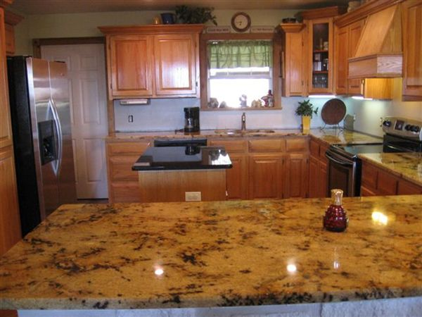 Kitchen Countertop Ideas With Maple Cabinets