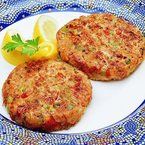 Easy Salmon Cakes1/4 cup finely chopped red pepper 1/4 cup finely chopped green onion 1/4 cup mayonnaise 1 tablespoon fresh lemon juice 1/4 teaspoon seasoned salt Cayenne (red) pepper to taste 1 beaten egg 1 pouch (7.1 ounces) Chicken of the Sea Skinless  Boneless Pink Salmon (i use canned) 1 cup dry breadcrumbs, divided 3 tablespoons butter