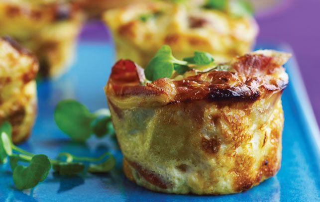 De små portions-frittata er bagt i muffinforme, så de er nemmere at have med på tur.
