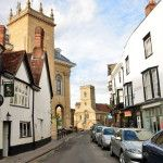 When I visited Abingdon, I was fascinated by the originality and antiquity of this town, which is considered one of the oldest in the UK similar to Colchester, Amesbury, Ipswich or Thatcham. Some settlements in present Abingdon-on-Thames have existed since the 4th century BC.