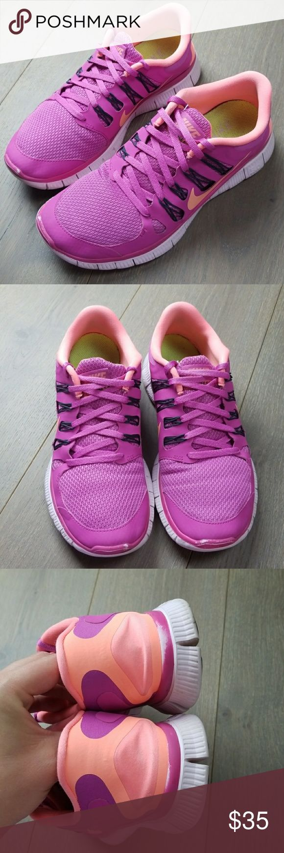 Nike free 5.0 running shoes Women's Nike running shoes are preowned with signs of use but still many miles left in them  A great color and design Nike Shoes