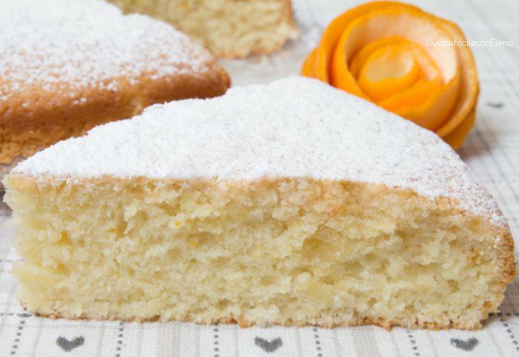 La Torta all'arancia soffice è una deliziosa e profumatissima torta senza uova burro e latte, talmente morbida che si scioglie in bocca, davvero fantastica!
