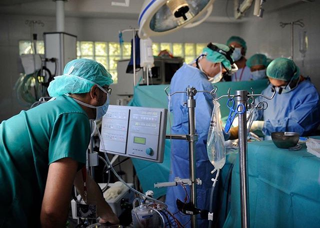 RESEARCH AND DEVELOPMENT. Through the creation of an epidemiological observatory in Africa, The Heart Fund collects scientific data that improves access to screening through mobile and connected healthcare and publishes scientific reports to better understand the health, economic and socio-psychological impact of congenital heart disease. #theheartfund #thf #doctors #surgeons #hospital #healping #health #cardiovasculardisease #ong