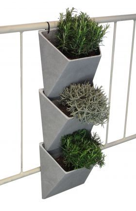 30 best images about jardin on pinterest planters - Jardin vertical pour balcon ...