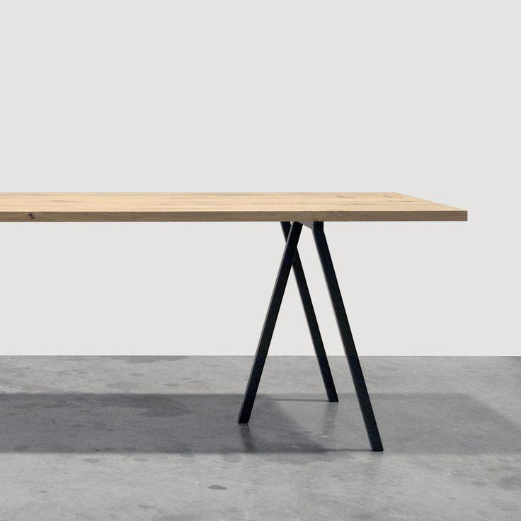 Maatwerk Tafel type Loop Stand - Een massief houten werkblad en frame van Hay