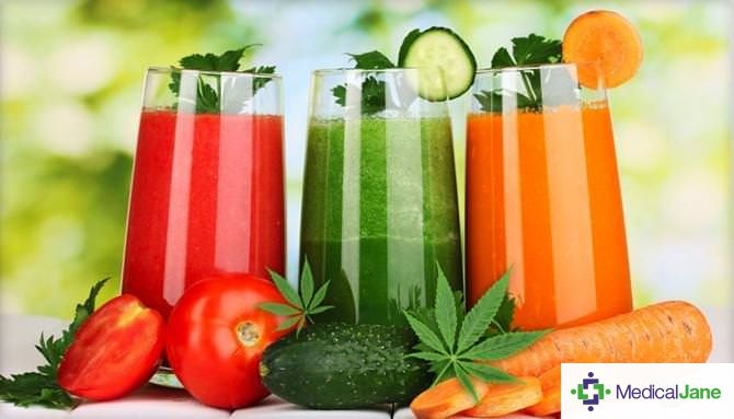 Juicing Cannabis: Learn About The Potential Health Benefits of Treating Medical Marijuana Like a Vegetable And Recipes For Getting Started
