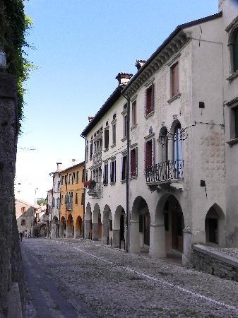 Palazzo Galletti in Vittorio Veneto. North of Venice. An ideal B&B for those visiting Venice!