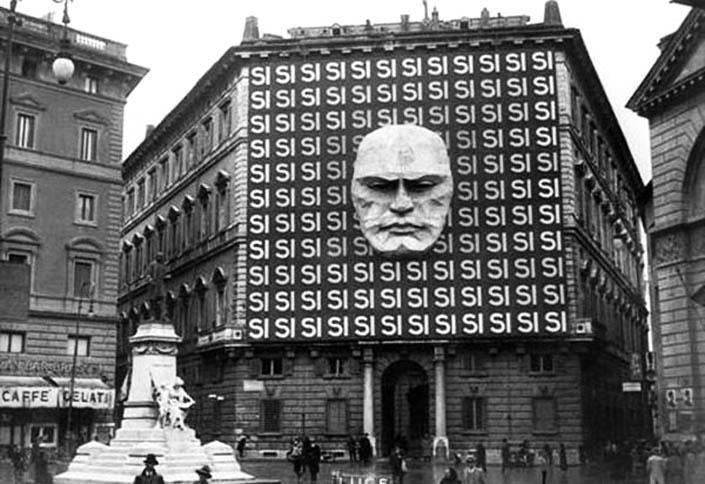 La sede de Benito Musolini y el partido fascista italiano tomadas en Roma en 1930.