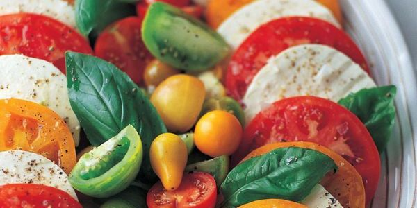 Discover fresh #summer salads, like this caprese, and other quick meal ideas on Pinterest: http://pin.it/4L4wduM.