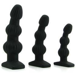 Siliconen anaal starter set met drie buttpluggen in verschillende formaten. De anaal pluggen zijn een buttplug, anaal kralen en prostaat massager in één. Deze set is ideaal als jij of je partner kennis wil maken met anale seks. Begin met de kleinste buttplug en werk langzaam naar de grootste plug toe. De bolvormen geven een fijne stimulatie van de P-spot. De sensatie wordt nog intenser wanneer de pluggen worden opgewarmd of afgekoeld... Dit kan gemakkelijk in de vriezer of magnetron…