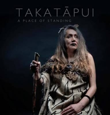 sbian, gay, bisexual and transgender Māori (takatāpui) tell their stories and reflect on the journey from exclusion and prejudice to taking their rightful place in Aotearoa. Illustrated with stunning colour photographs, Takatāpui features introductions by Witi Ihimaera, Ngahuia Te Awekotuku and the late Henare Te Ua.