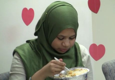After Muslim holidays added for NYC schools, group now pushing for halal food
