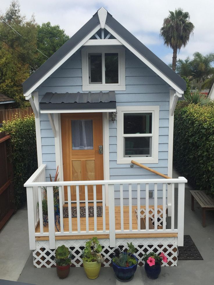 Craftsman Tiny House | Tiny House Swoon | A 200 square feet tin¥ house on wheels in San Diego, California. Designed by Molecule Tiny Homes.
