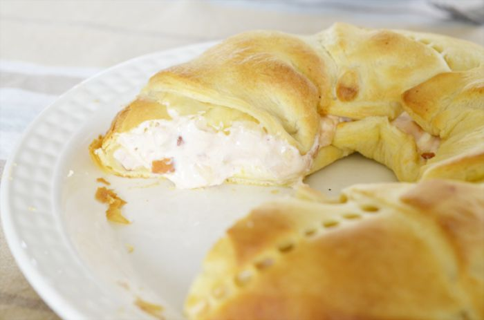 Gemakkelijke Kip Salsa Croissant Krans, lekker voor bijvoorbeeld met Pasen