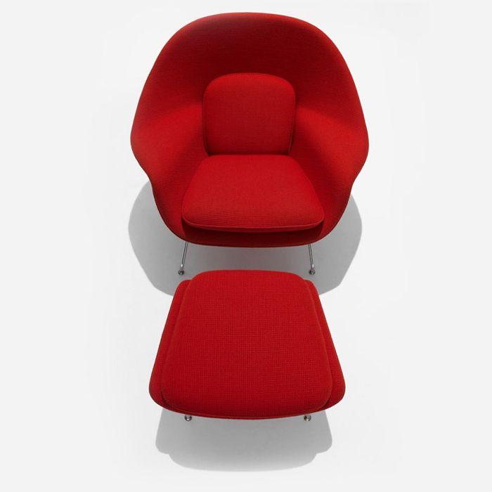 """WOMB CHAIR design Eero Saarinen, 1946 """"Una sedia che era come un cesto pieno di cuscini"""", dove potersi  comodamente rannicchiare..."""