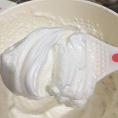 Marshmallow de leite ninho, decorando meus bolinhos, e inventando novas receitas, saiu essa que adorei e faz muito sucesso, com massa de chocolate ou bolinh